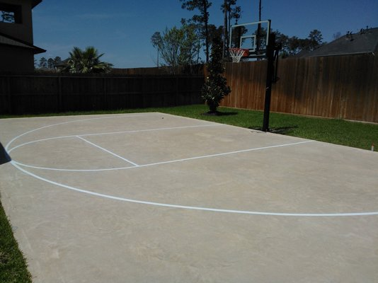 How to paint an outdoor basketball court basketball for Sport court paint