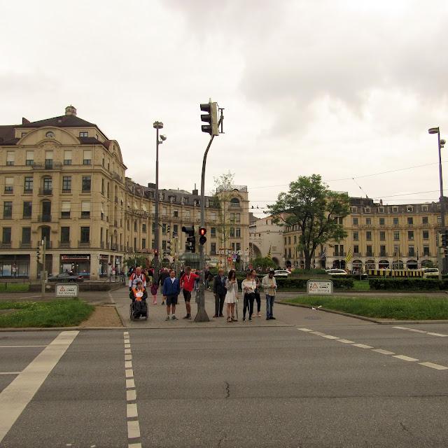 O que ver em Munique Karlsplatz Karlstor
