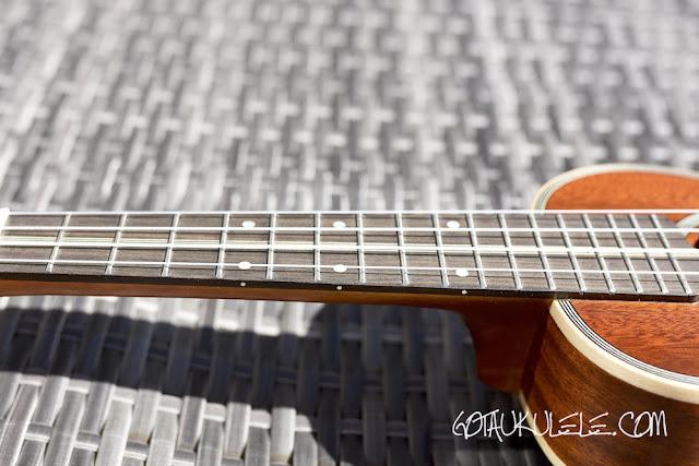 Ohana SK39 Ukulele fingerboard