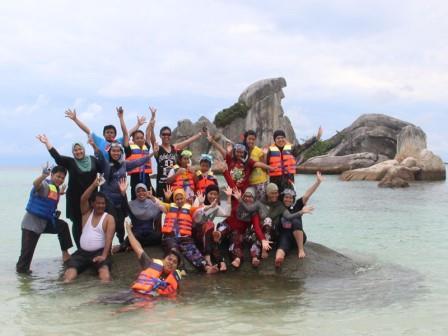 berlibur bersama di pulau belitung