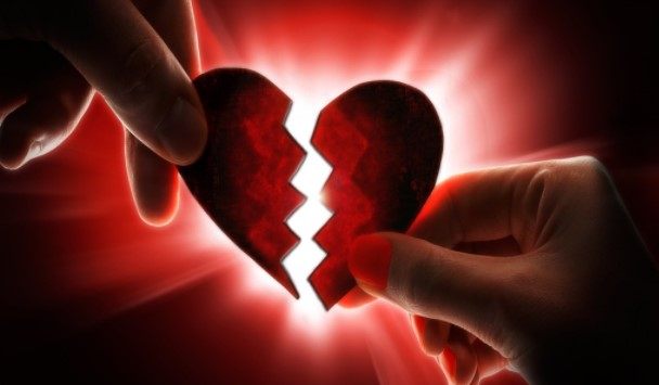 WAJIB BACA!! 13 Tanda Anda Sedang Dibodohi dalam Suatu Hubungan Asmara
