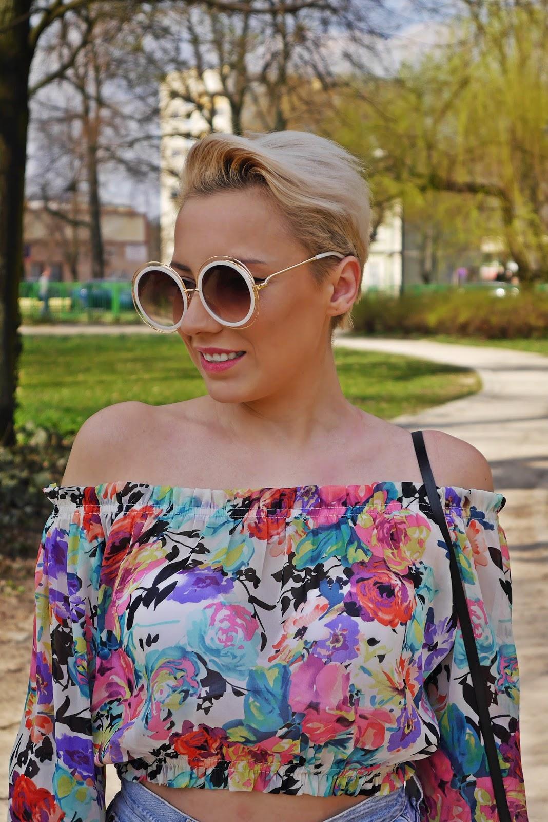 szorty_z-wysokim_stanem_koszulka_bez_ramion_platformy_biale_karyn_blog_110417g