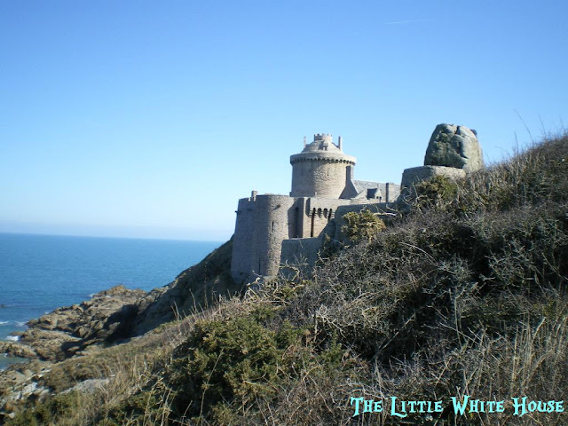 http://thelittlewhitehouseontheseaside.blogspot.fr/2013/02/le-fort-la-latte.html