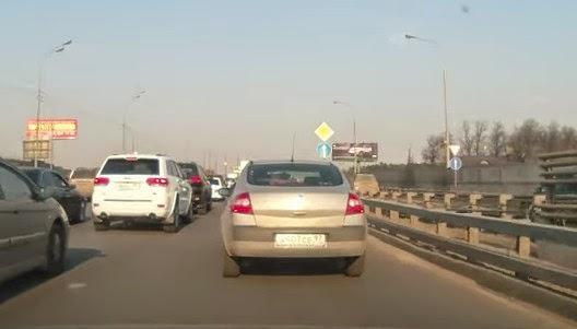 Αυτός είναι ο κίνδυνος της κίνησης με υγραέριο: Απίστευτη έκρηξη εν κινήσει… [video]
