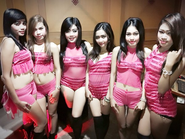 Indonesian girl surabaya prostitute blowjob white man - 1 7