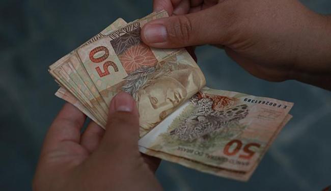 Governo não deve pagar adiantamento de 13º a aposentados em agosto - 2015 -