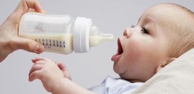 10 Cara Ampuh Mengatasi Bayi Cegukan Secara Aman Dan Alami