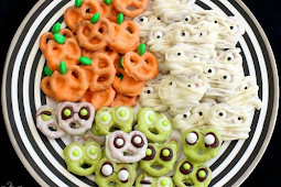 EASY HALLOWEEN PRETZELS IN THREE WAYS
