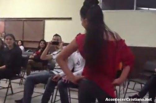 Realizan desfile de moda en una iglesia cristiana (Video)