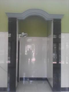foto mihrab sebelum dipasang ornamen GRC
