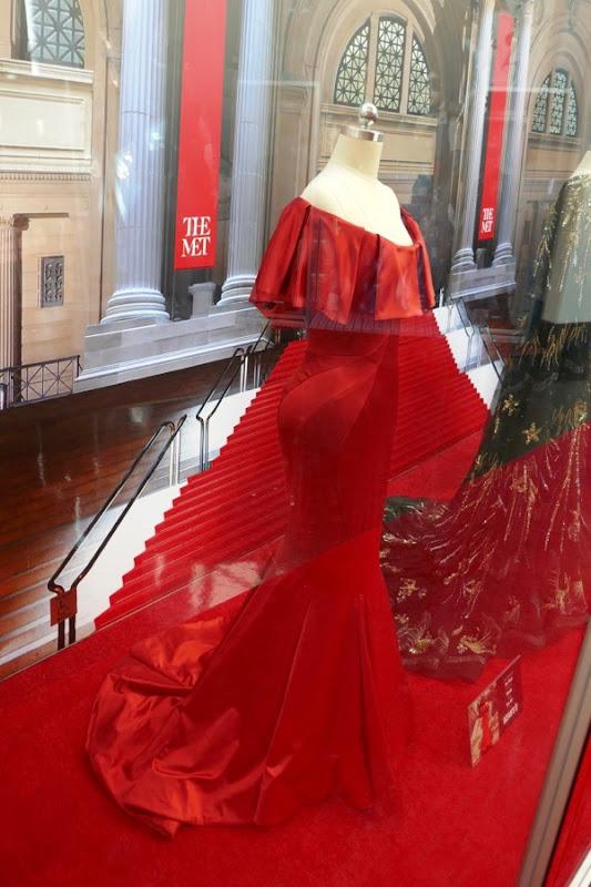 Rihanna Oceans 8 Nine Ball Met Gala red gown