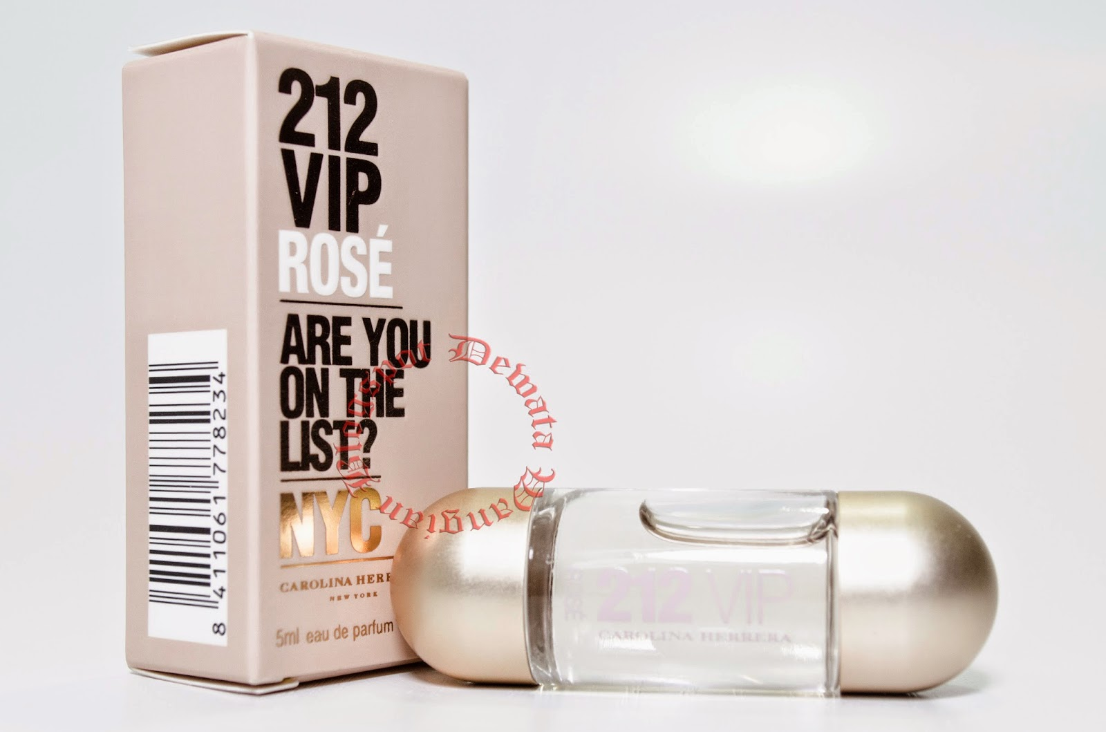Carolina Herrera 212 VIP Rose Miniature Perfume