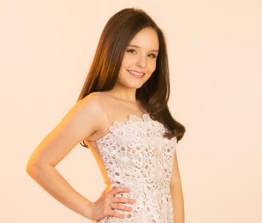 A mesada de 300 reais é um valor razoável para uma garota de 15 anos. Com  esse dinheiro, a atriz Larissa Manoela (foto) compra revistas teen, ... e2352a317c