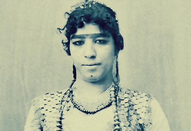 قصة راقصة مصرية ابنة مُقرئ: حفيدة سلطان وكانت تسير وسط حراسة خاصة شاهدوا قصتها