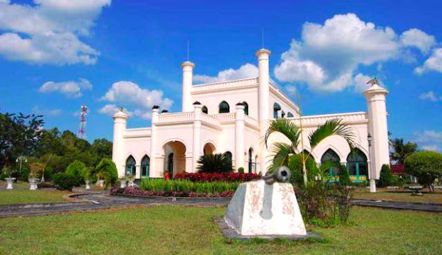 Gambar Istana Siak Di Riau