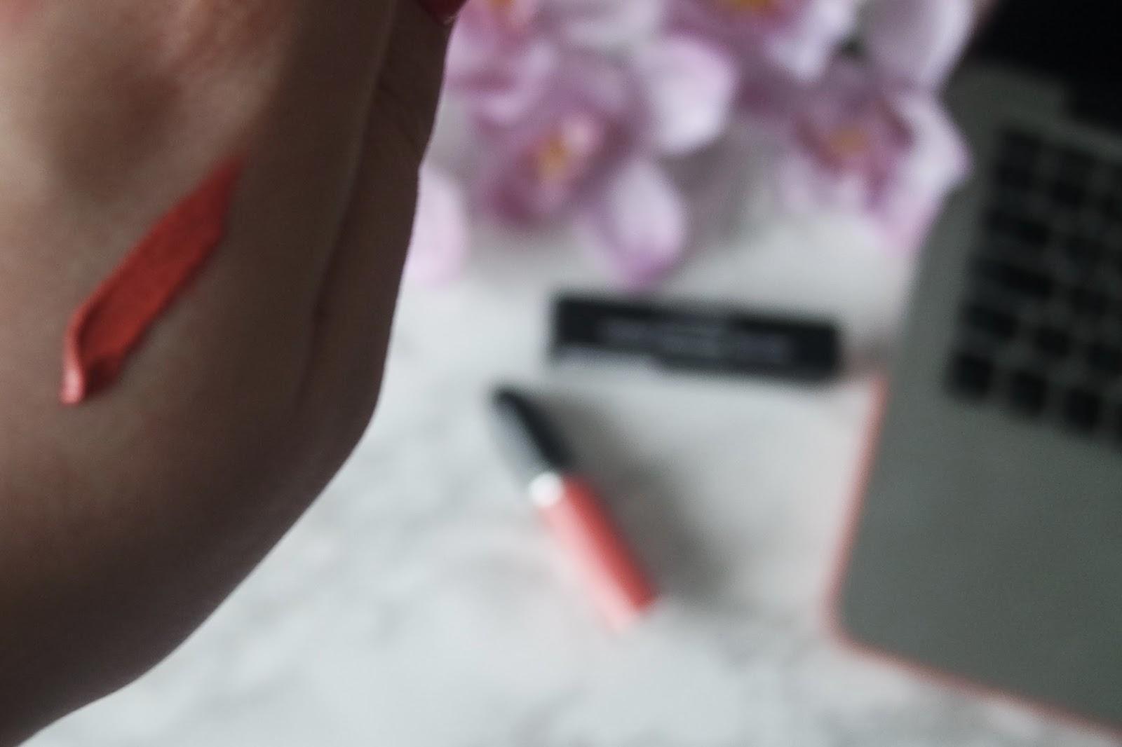 MAC Retro Matte Liquid Lipcolour Swatch