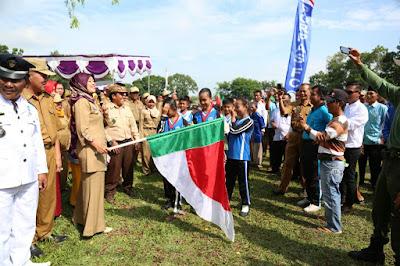 Bupati Lampung Timur Lepas Peserta Karnaval HUT Desa Labuhan Ratu VI