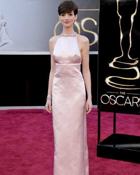 Anne Hathaway Grammy Dress: Scrambled Fashion: Oscars Fashion: The Red Carpet Verdict