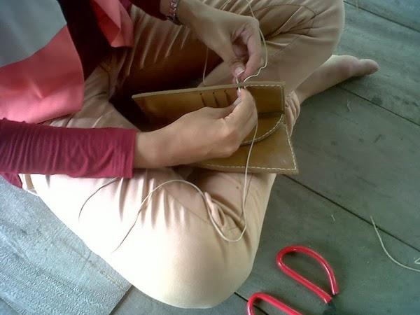 kursus membuat tas kulit_jahit tangan