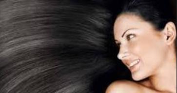 Kebanyakan orang indonesia atau tempat asia tenggara itu mempunyai rambut yang identik den 5 Cara Menghitamkan Rambut Secara Alami