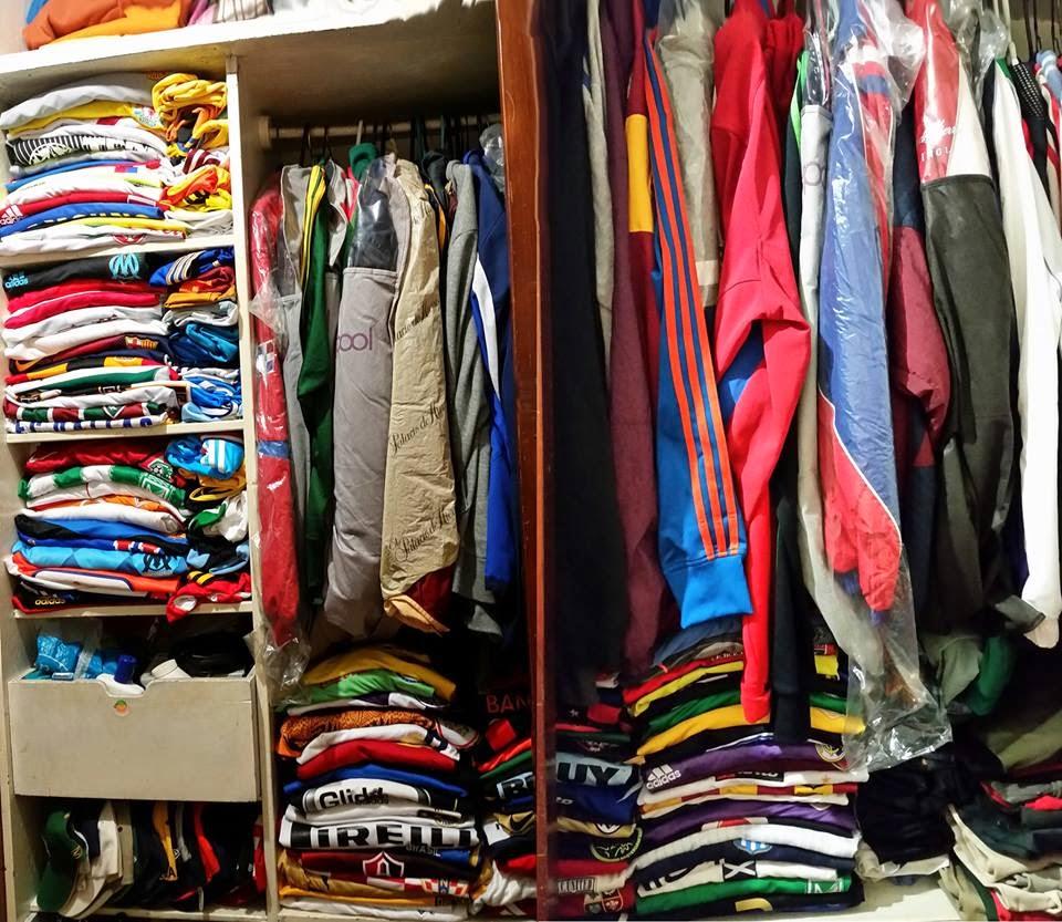 La Mirada De Un Coleccionista   Colecciones de camisetas de fútbol en el  mundo (III) e94cc06466574