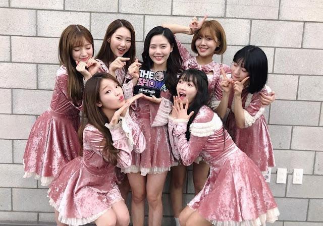 Suksesnya Secret Garden dan Cinta Fansnya Oh My Girl Ungkap Perasaan Kemenangan Pertama Music Show