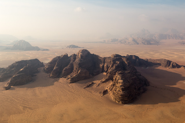 Wadi Rum visto desde un globo, Jordania