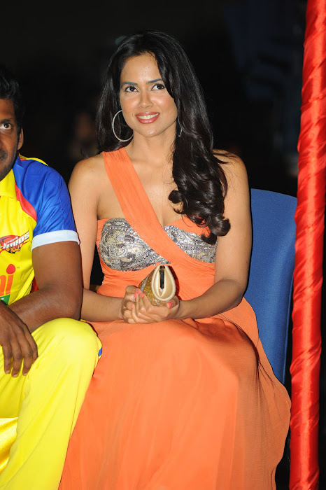 sameera reddy new , sameera reddy at ccl curtain raiser actress pics