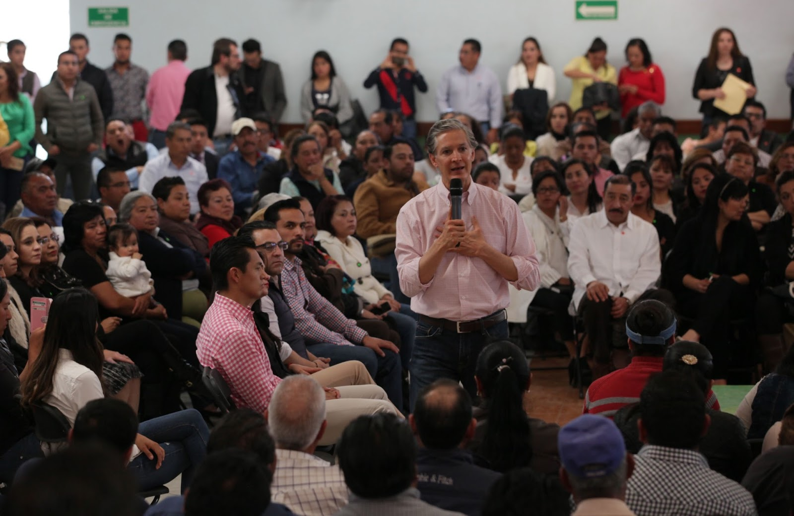 Alfredo Del Mazo En Almoloya De Ju Rez Y Zinacantepec Cronista # Muebles Paquita Santa Cruz De La Zarza