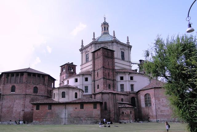 Basílica de San Lorenzo vista por trás
