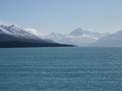 El lago Pukaki y el Monte Cook al fondo. Nueva Zelanda
