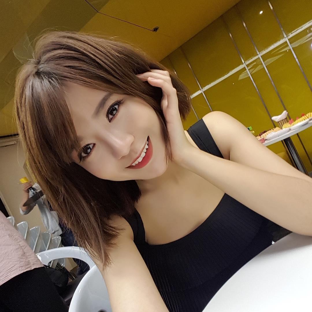 Nguyễn Tú Linh Hot Pic