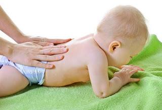Mengatasi Bayi yang sering Kentut