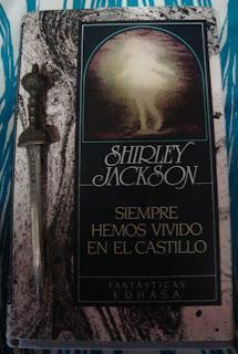 Portada del libro Siempre hemos vivido en el castillo, de Shirley Jackson