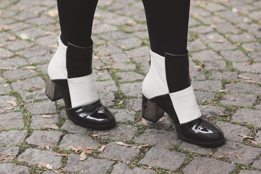 choies monochrome boots