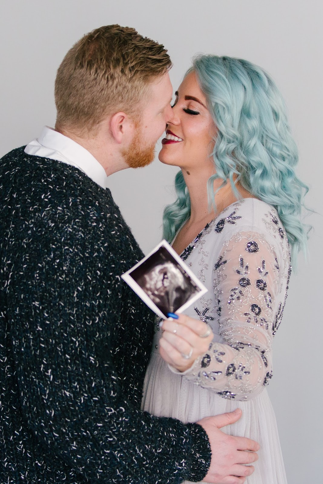 Ultrasound photos, Fashion blogger