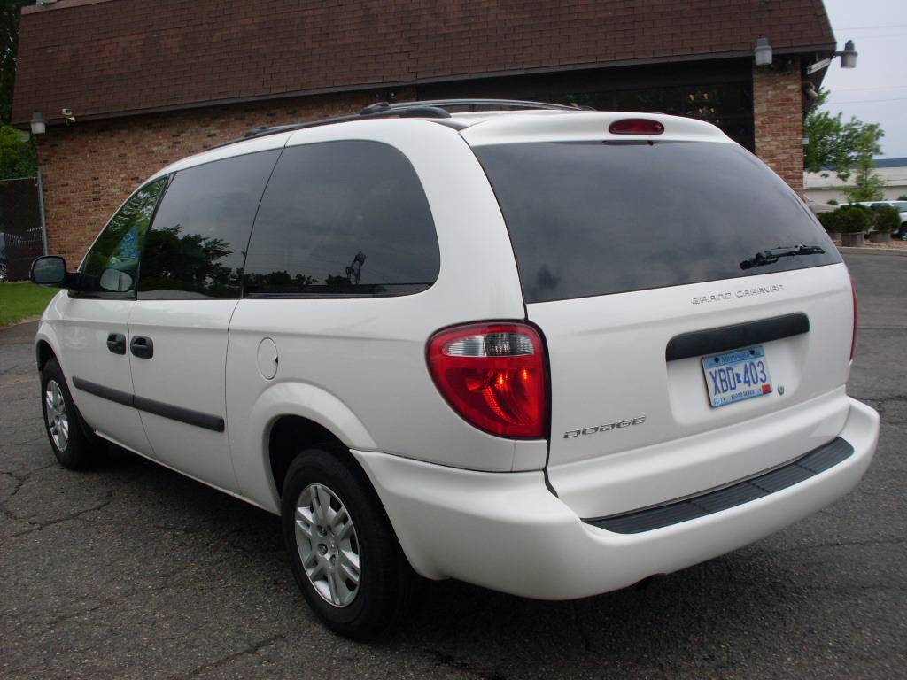 Ride Auto 2006 White Caravan