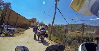 Pedindo informação para sair de Samaipata / Bolívia.