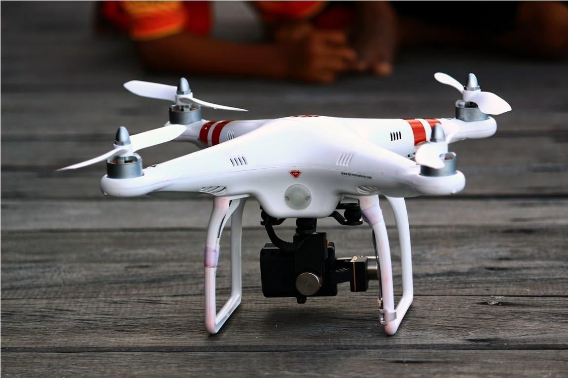 Merekam pulau dari udara dengan Quadcopter DJI Phantom 2 + GoPro HD Hero 3 Black