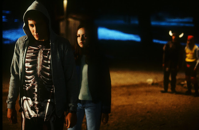 Jake Gyllenhaal as Donnie Darko Jena Malone as Gretchen Ross