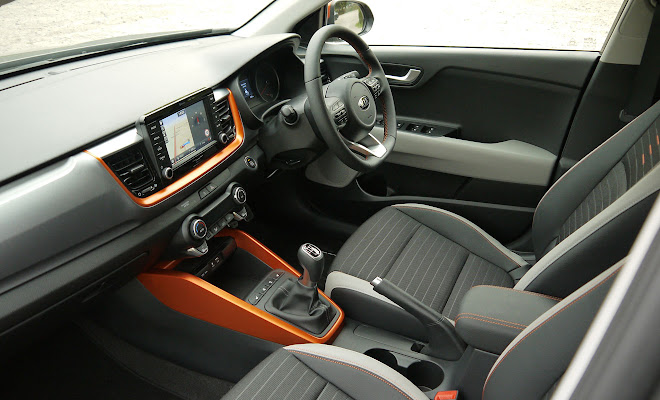 Kia Stonic front interior