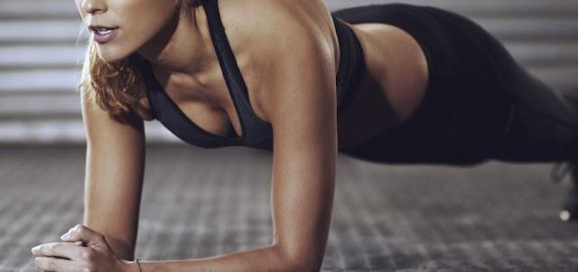 Exercício de 2 minutos que pode ser tão benéfico quanto uma aula de spin de 30 minutos