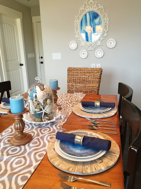 How to Style a Coastal, Beach, or Natucal Kitchen Table with Jen Gallacher. www.jengallacher.com #tablescape #coastalstyle #kitchensetting
