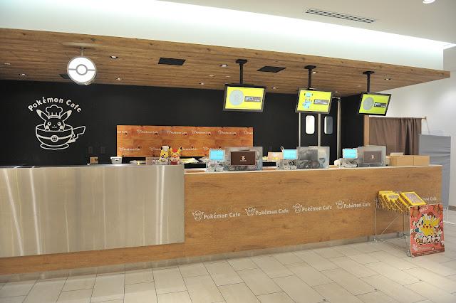 右手邊是結帳櫃檯,也是有好多Pokémon Café 寶可夢咖啡廳皮卡丘造型的圖案。