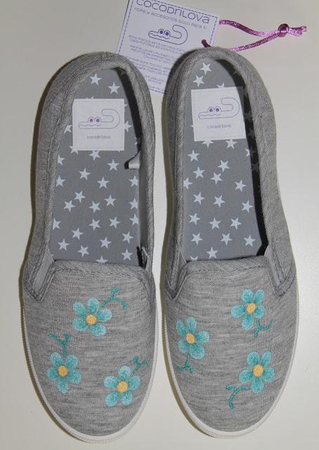 zapatillas-alpargatas-flores-pintadas