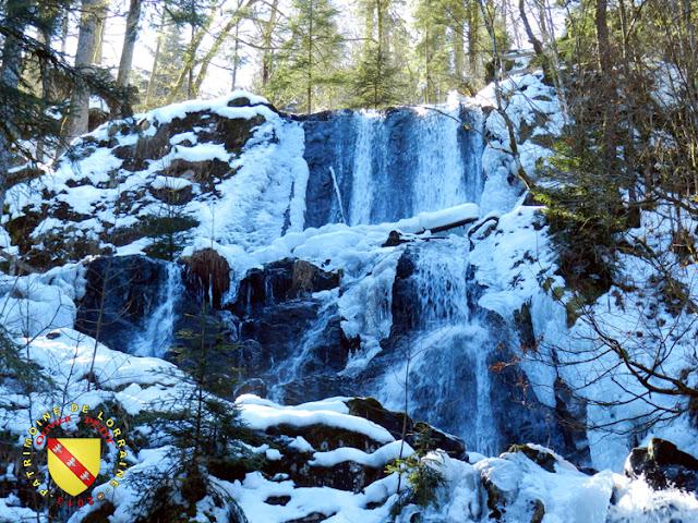 Tendon - La grande cascade enneigée