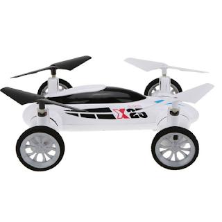 une voiture volante avec appareil photo
