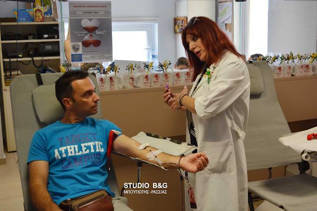 Με μεγάλη συμμετοχή η εθελοντική αιμοδοσία αγάπης στο Λιμεναρχείο Ναυπλίου (βίντεο)