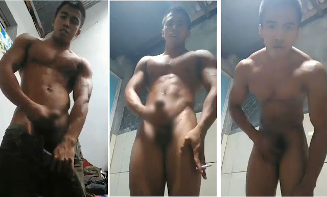 Six-Pack Boy Jerking Off On Cam