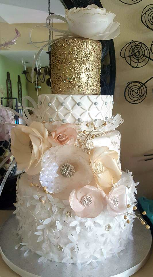 Loving This Cake I Designed For A Recent Bridal Show Wafer Paper